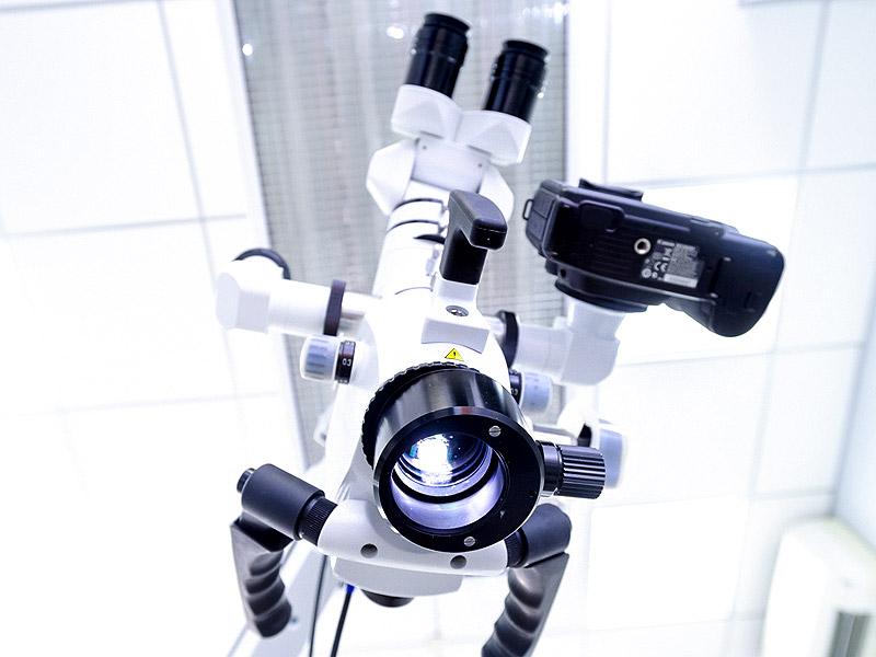 Компьютерное моделирование и лечение зубов под микроскопом