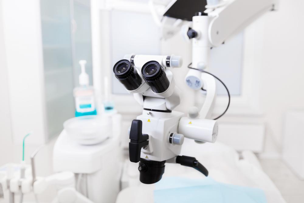 Эффективное лечение дентальным микроскопом