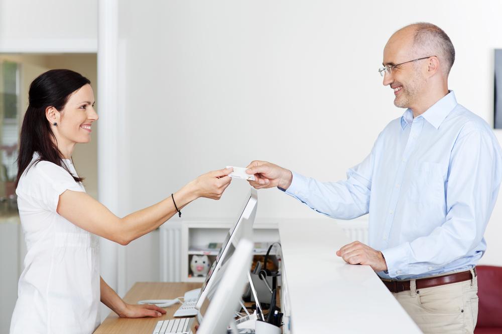 Медицинская страховка: как выгодно её использовать в стоматологии?
