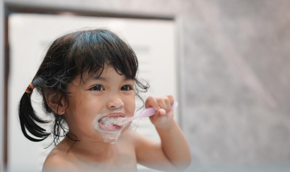 Вреден ли фтор для зубов ребенка?
