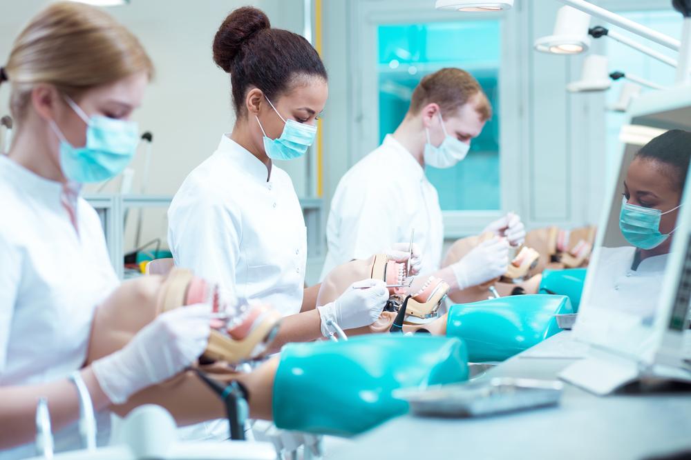 Стоматолог какой специализации мне нужен?